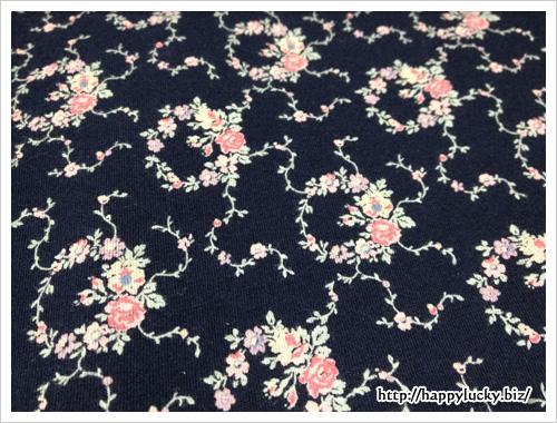 ユニクロ(UNIQLO)×ローラアシュレイ(Laura Ashley)Tシャツ柄アップ