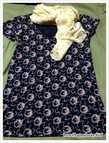 ユニクロ(UNIQLO)×ローラアシュレイ(Laura Ashley)Tシャツとストールを合わせてみた