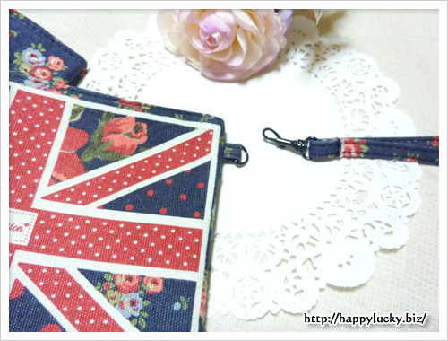 Cath Kidston SPECIAL BRITISH ISSUE Spring Summer 2012 ポーチの紐は取り外せる