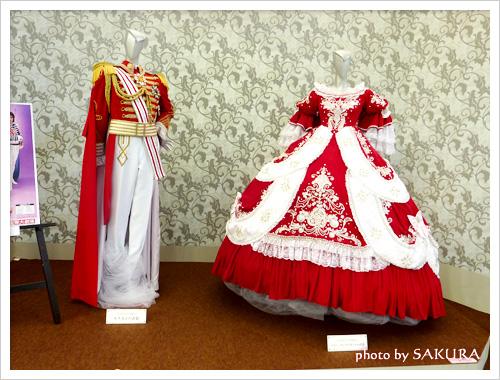 宝塚歌劇団「ベルサイユのばら」衣装展示