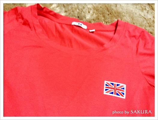 ユニクロ赤いTシャツ×ユニオンジャックワッペン