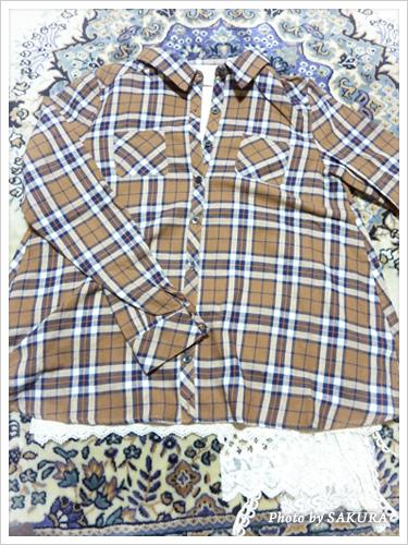 Discortチェックシャツ+ioriのキャミソールコーディネート