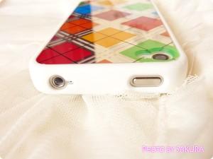 日本未発売のLIM'S正規品「iPhone4S レインボーケース Final Edition」電源ボタンとヘッドホンジャック