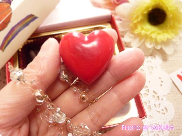 フランスの人気絵本「リサとガスパール(Gaspard et Lisa)」バレンタインチョコレート ハートアップ