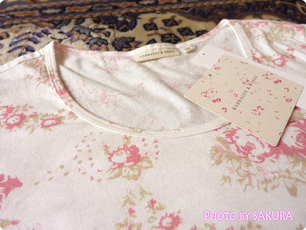 WOMEN ⁄ UT(プリント Tシャツ) W CABBAGES&ROSESクルーT(7分袖)襟ぐり