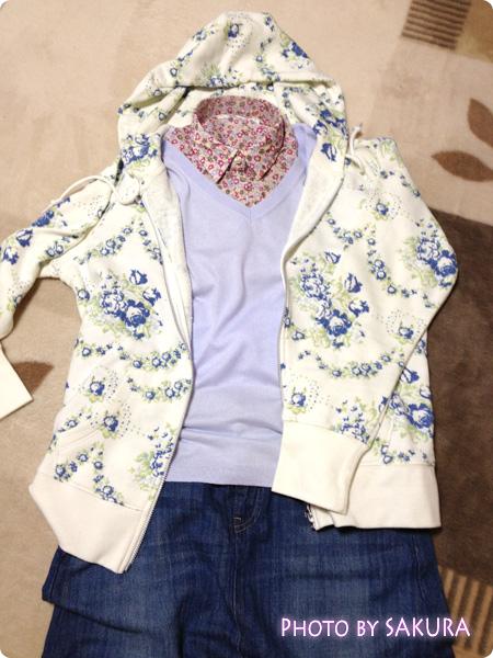 コットンローンプリントシャツ+コットンブレンドVネックリラックスセーター+W CABBAGES & RスウェットフルジップパーカE+デニムロングスカート