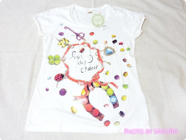 [UT]ユニクロ×LADURÉE(ラデュレ)コラボラッキーモチーフTシャツ全体
