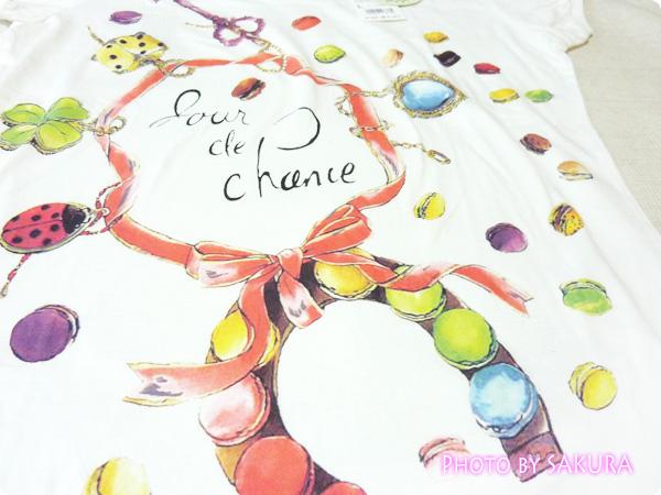 [UT]ユニクロ×LADURÉE(ラデュレ)コラボラッキーモチーフTシャツ 柄アップ