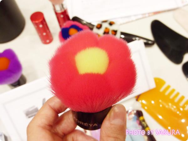 3D形状花形化粧筆/歌舞伎ブラシ/メイクブラシ Z-251ピンク