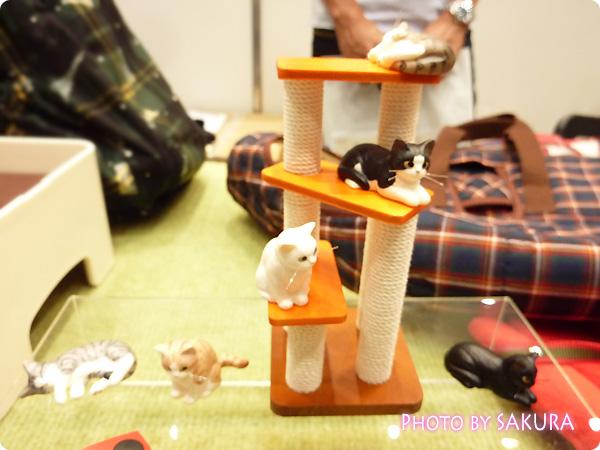タワーだニャン、寝るニャン(サバトラ、キジトラ)、座るニャン(白猫)、待つニャン(黒猫、黒白猫、チャトラ)1