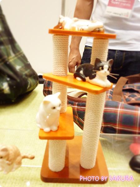 タワーだニャン、寝るニャン(サバトラ、キジトラ)、座るニャン(白猫)、待つニャン(黒猫、黒白猫、チャトラ)2
