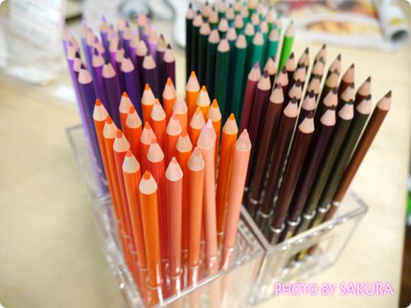 「500色の色えんぴつ」と「テーブルを飾る500色のフラワーベースの会」その2