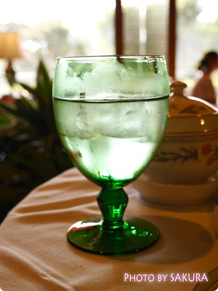 ホテル椿山荘東京「ロビーラウンジ ル・ジャルダン」 季節のアフタヌーンティー 最後にもらった水