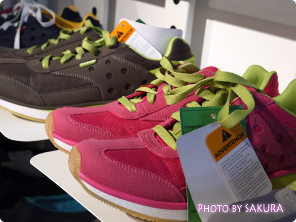 crocs retro sneaker w クロックス レトロ スニーカー ウィメン