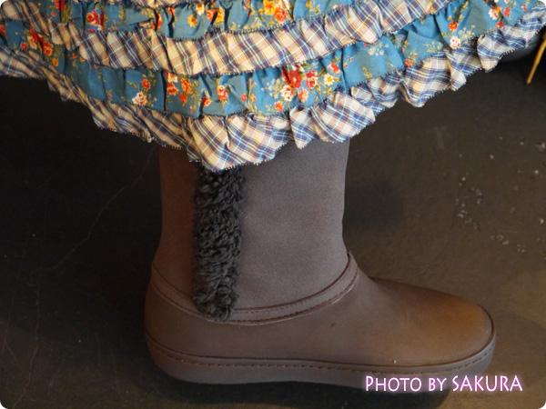 modessa synthetic suede button boot w モデッサ シンセティック スエード ボタン ブーツ ウィメン 左足内側 ピンクハウススカート