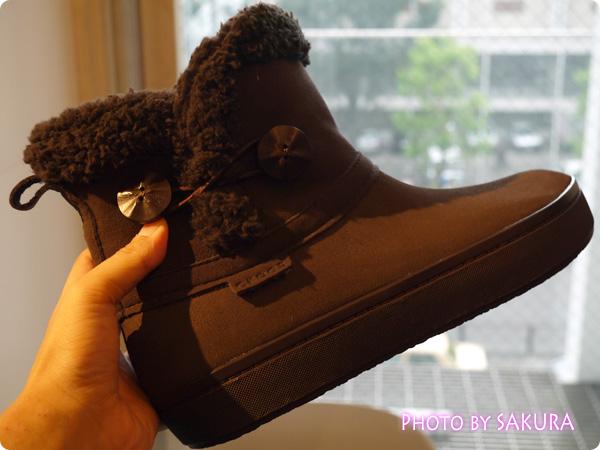 modessa synthetic suede shorty boot w モデッサ シンセティック スエード ショーティ ブーツ ウィメン 右足アップ