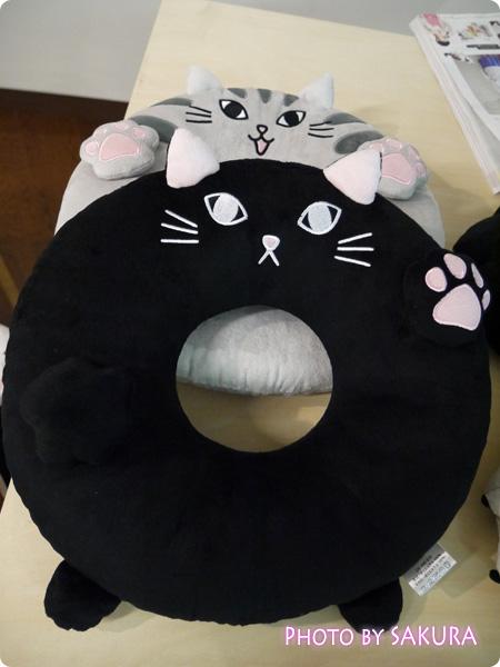 FELISSIMO(フェリシモ)「にゃんこのおなかで眠って 猫もついつい入りたくなる!? お昼寝クッションうたたねこの会」クッションその3
