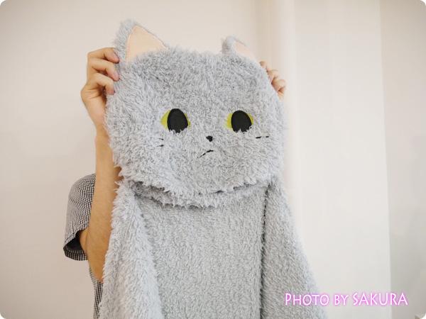フェリシモ「ふわふわ猫たちが大集合 クッションに変身する吸水ケットの会」広げた1