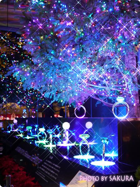 銀座ミキモト ジャンボクリスマスツリー2013 イルミネーション 12ケ月誕生石の指輪イルミネーション クロスフィルター