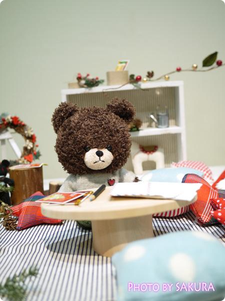 12月1日 クリスマスリースづくり 遊んでる