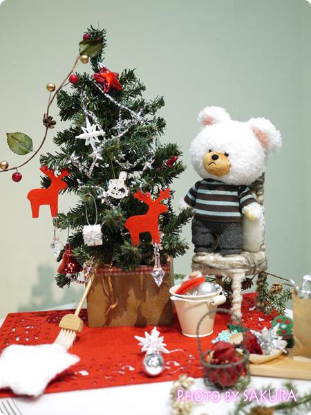 12月1日 クリスマスリースづくり 作ってる