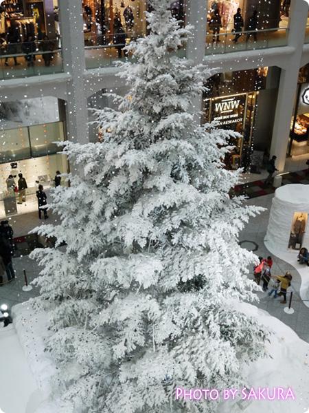 KITTE(キッテ)クリスマスツリー2013 3階から見た図