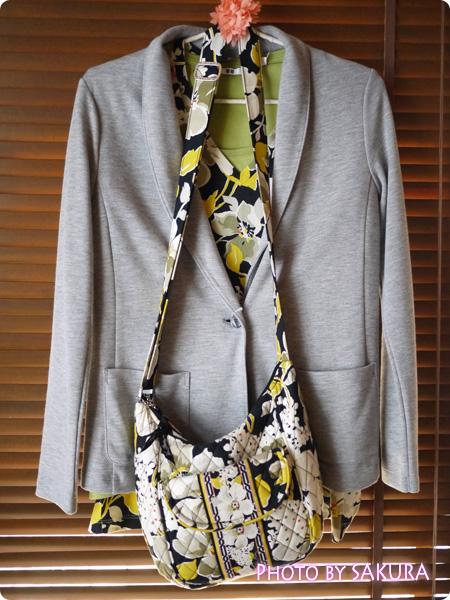 [UT]ユニクロ×ヴェラ・ブラッドリー DogWoodTシャツとClare(クレア)のコーデ