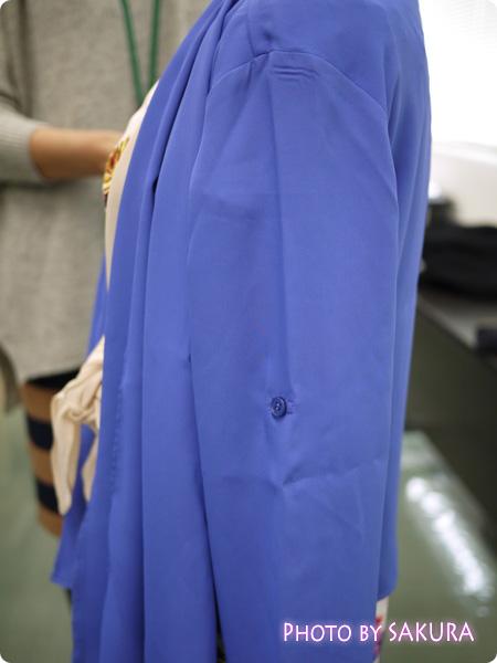 重ね着風ジョーゼットジャケット 袖口はロールアップで長さ調節可能