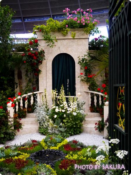 第16回国際バラとガーデニングショウ『グレース・ケリーの庭』正面