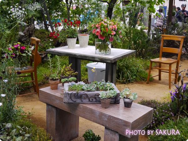 フラワーアーティスト ローラン・ボーニッシュ 『Provance~プロヴァンスな幸せな一日~』テーブルと多肉植物