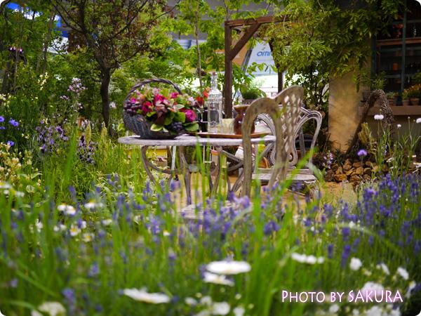 フラワーアーティスト ローラン・ボーニッシュ 『Provance~プロヴァンスな幸せな一日~』ラベンダーやハーブの庭