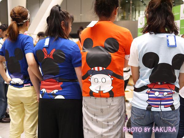 【ベルメゾンネット限定】みんなでつながるサッカー応援ディズニーTシャツ みんなで着てみた!3