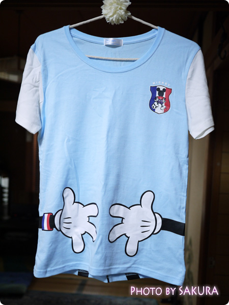 みんなでつながるサッカー応援ディズニーTシャツ ライトブルー×ホワイト
