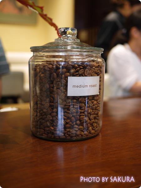 カルディコーヒーファーム カフェデリツィア 店内のコーヒー豆