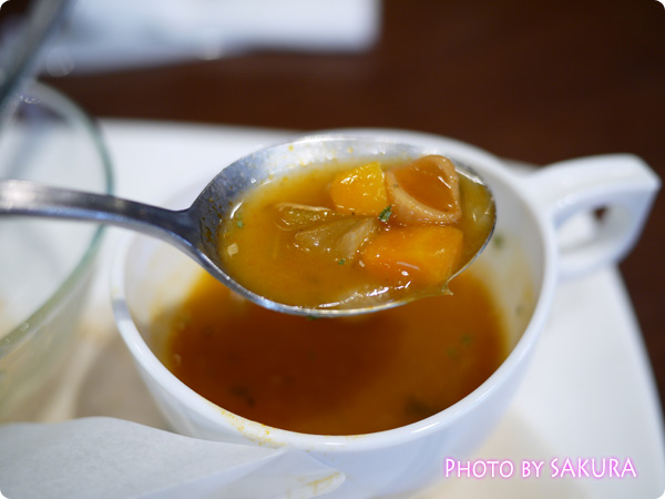 カルディコーヒーファーム カフェデリツィア  具だくさんスープ アップ