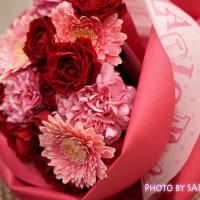 日比谷花壇 バラの形の花束ペタロ・ローザ「モードレッド」 メッセージペーパー