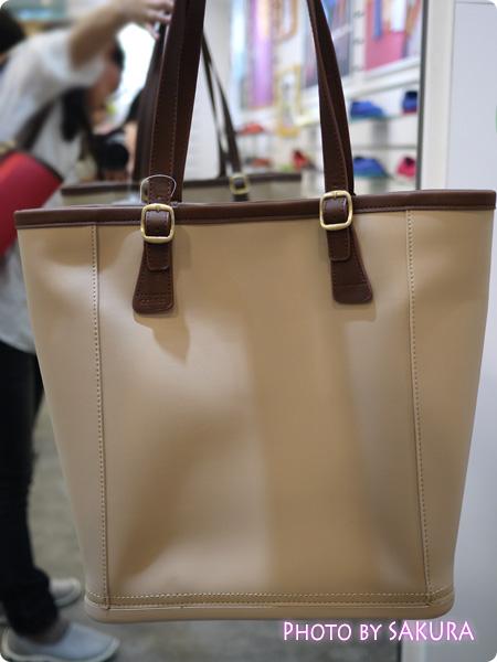 crocs クロックス wrap ColorLite bag ラップ カラーライト バッグtumbleweed(ベージュ)
