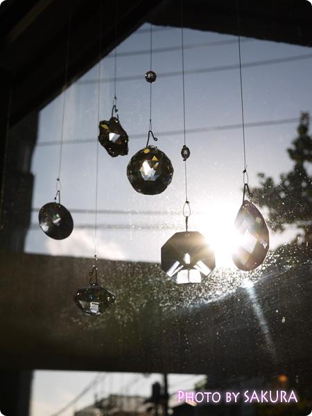 FELISSIMO フェリシモ チェコの職人が作ったシャンデリア ボヘミアガラスのインテリアルースの会 窓辺に並べて飾っても