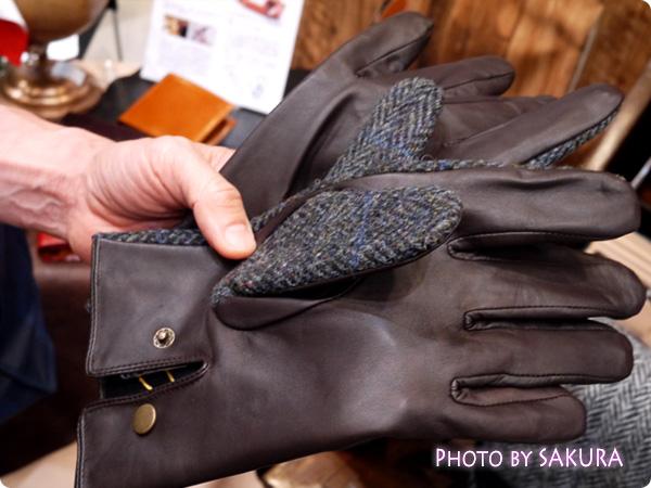 ハリスツイード 手袋には洋革が使われている