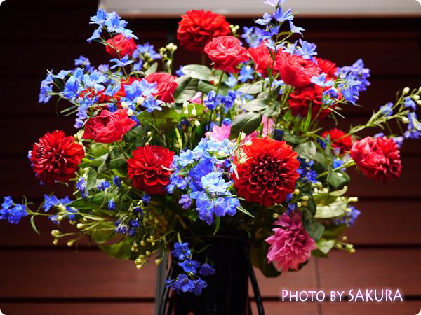 李家幽竹2015年開運風水セミナー ステージのサイドのお花