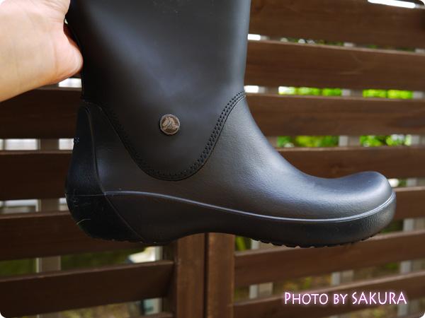 クロックス「rain floe boot w レインフロー ブーツ ウィメンズ」サイドにさりげないワニマーク