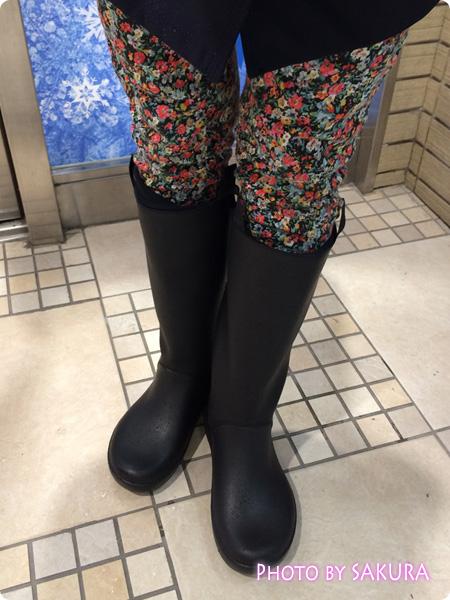 クロックスのレインブーツ「rain floe boot w レインフロー ブーツ ウィメンズ」雨の日、雪の日着用感想