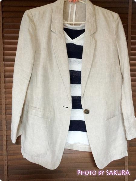 コムサのジャケット+しまむら『Vネックニット』