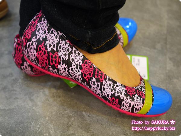 crocs cap toe mondo ng flat w クロックス キャップトゥ モンド ニューグラフィック フラット ウィメン 着画1