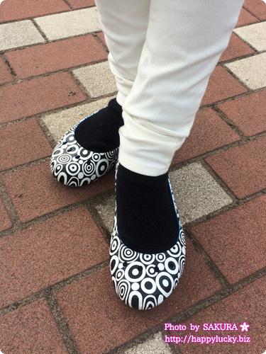 クロックス (crocs)MONDO(モンド)コレクション kadee mondo circles flat w カディ モンド サークル フラット ウィメン 靴下ありならW7でちょうどいい!