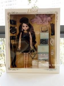 タカラトミー 大人向けリカちゃん 第3弾 リカ スタイリッシュドールコレクション 「ブラックショコラドレス スタイル」パッケージ