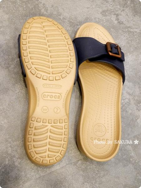 Crocs Sarah Sandal W クロックス サラ サンダル ウィメン  navy / gold アウトソール