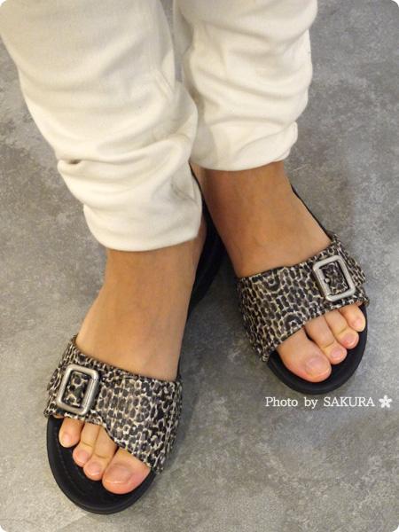crocs sarah leopard sandal w クロックス サラ レオパード サンダル ウィメン 着画その1