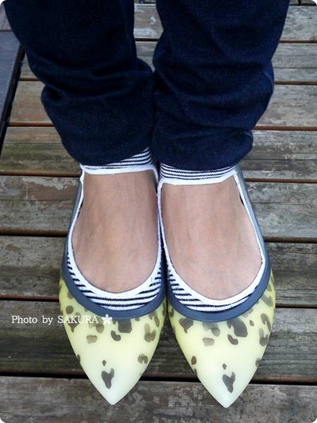 crocs rio leopard fade flat w(クロックス リオ レオパード フェイド フラット ウィメン) 着画その4