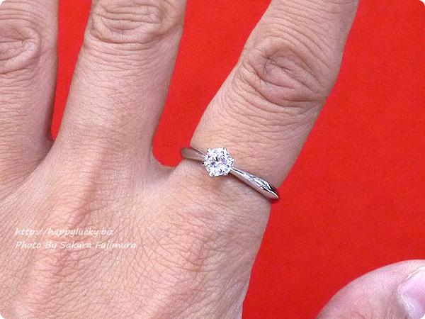 楽天市場JewelryCastle ネックレス・指輪 0.3カラット スワロフスキージルコニア一粒リング 着画